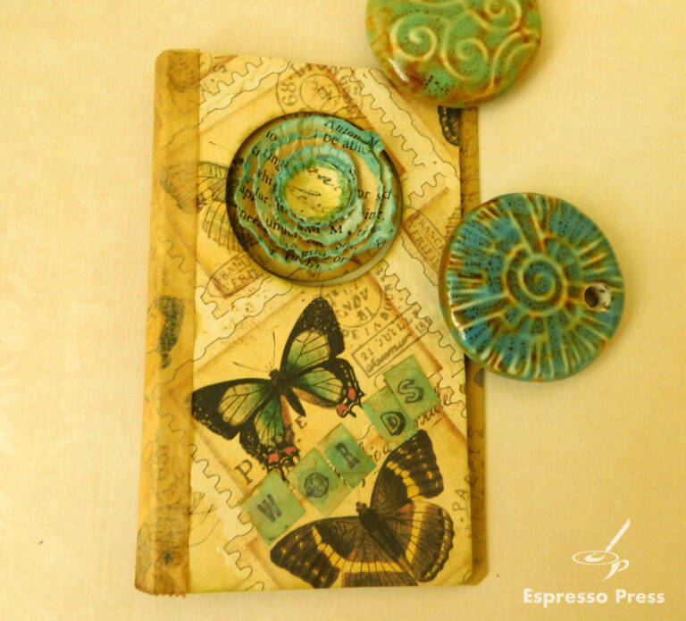 Read more about the article Shabby Flowers Butterfly Book
